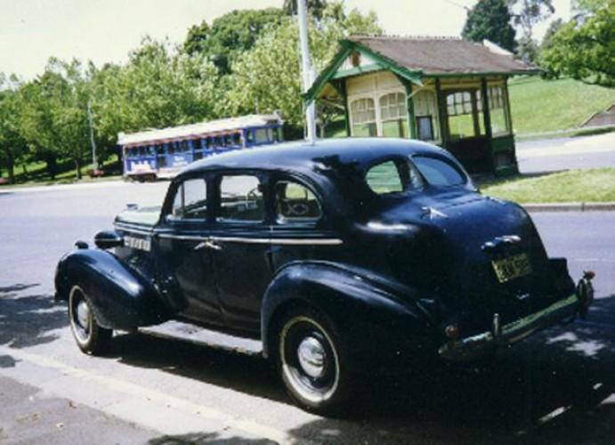 1937 Model 8/40 Sedan - Holden body