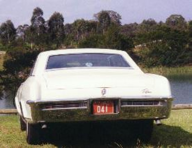 1965 Model 49447 - Riviera Coupe