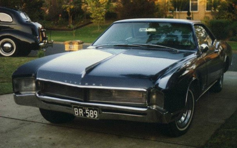 1966 Model 49487 - Riviera Coupe