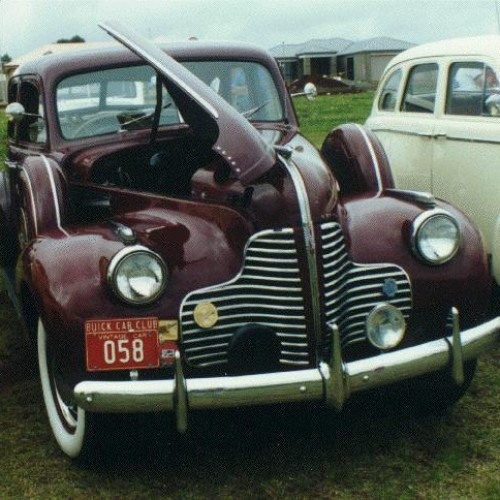 1940 Model 41 - 8/40 Sedan (6 wheel equipped)